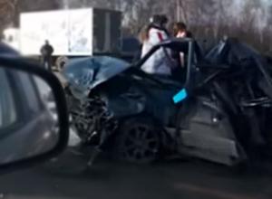 Массовое ДТП с участием пяти автомобилей произошло на трассе недалеко от Шахт