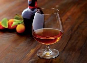 За продажу «палёного» Hennesy и виски JackDaniel's двое шахтинцев предстанут перед судом