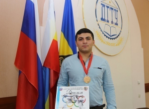 Всего 22 награды привезли шахтинские каратисты с международных соревновании