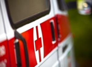 Под колеса иномарки в Шахтах попала 18-летняя девушка