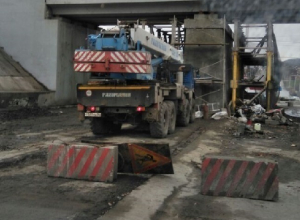 Ремонт моста на улице Маяковского в Шахтах продолжает собирать пробки