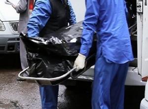 Два месяца пролежал мертвый мужчина в подвале жилого дома в Шахтах