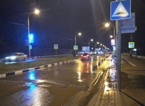 В Шахтах на пешеходном переходе  «Митцубиси» сбил 15-летнюю девочку