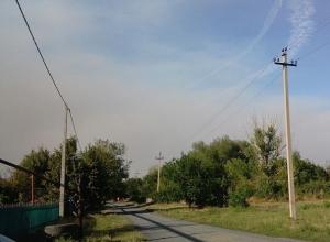 Дым от горящих лесов видят жители окраин города Шахты