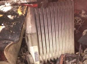 Из-за неисправной проводки в Шахтах загорелся дом