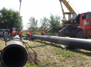 Строительство нового полуметрового водовода  должно улучшить водоснабжение поселка Таловый в Шахтах