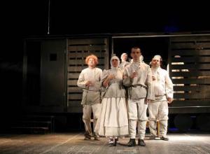 В драматическом театре города Шахты состоялось открытие 85 театрального сезона