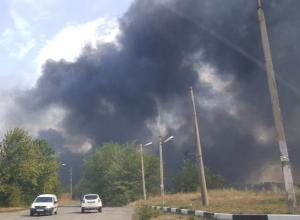 В Шахтах горят автомобили на штрафстоянке