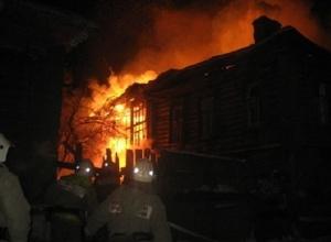 Ночью в Шахтах сгорел одноэтажный жилой дом