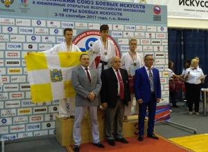 Шахтинка Анастасия Леонова завоевала «золото» на всероссийских соревнованиях по каратэ