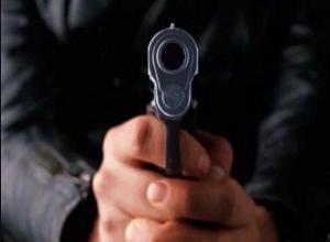 Под дулом пистолета отобрала машину и потребовали 100 тысяч рублей у наркодилеров  банда из Шахт