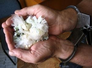 Под подписку о невыезде оставлен 32-летний продавец наркотиков в Шахтах