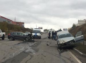 «Киа Сид» вылетела на встречку и протаранила «Фольксваген» в новой аварии на шахтинской «дороге смерти»