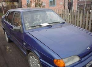 В Шахтах угнали синий ВАЗ-2115 с помятым крылом и багажником