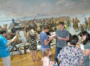 Ожившая история и квесты ожидали посетителей «Ночи в музее» в Шахтах