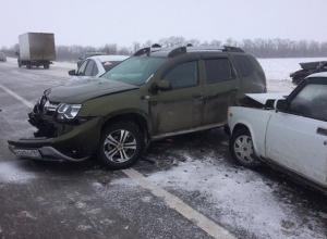 Массовая авария из пяти автомобилей произошла под Шахтами
