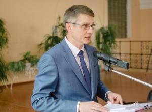 Ремонт больницы, две школы и детский сад пообещал Андрей Ковалев жителям  Шахт