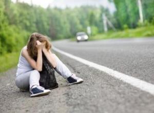Развод в стиле 90-х встретил автолюбитель на трасе недалеко от Шахт