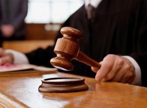 Стоматолог, уволенная за помощь ребенку с острой болью, будет доказывать свою правоту в суде