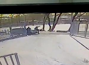 В Шахтах водитель «Мазды» умышленно наехал на пешехода