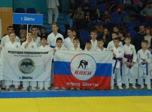 Пятнадцать медалей привезли с чемпионата ЮФО шахтинские бойцы