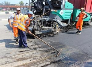 До конца года в Шахтах отремонтируют более 360 дорог