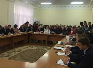 Половине шахтинских депутатов разрешили прогуливать Думу