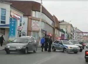 Полицейские столкнулись с автоледи на проспекте Победа Революции в Шахтах