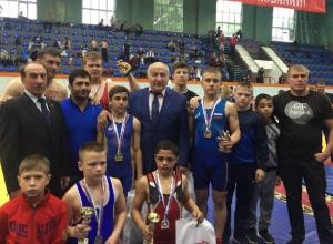 Пять наград завоевали шахтинцы на открытом турнире по греко-римской борьбе среди юношей