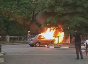 «Шевроле Ланос» вспыхнул и сгорел в Шахтах
