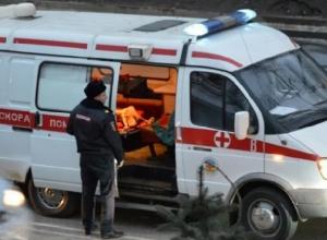 В вылетевшим с дороги ВАЗе в Шахтах пострадали три человека, из них двое детей