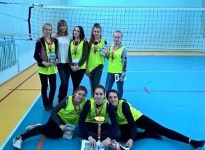 Шахтинские волейболистки победили в зональном этапе спартакиады «Серебряный мяч»