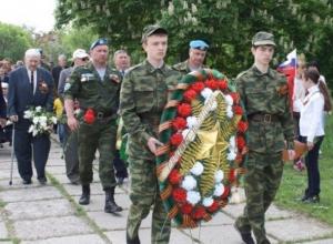 На мемориальном комплексе «Слава» в Александровском парке в Шахтах и в поселке Красина отметили День Победы