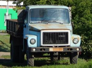 Пьяный муж насмерть раздавил грузовиком шахтинку, пытавшуюся преградить ему дорогу