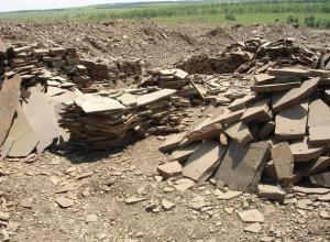 В карьер по добыче камня превратил пять гектаров пшеничного поля предприниматель под Шахтами