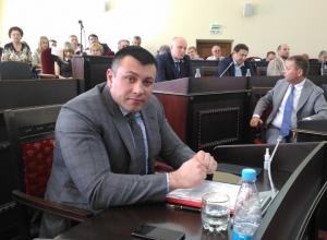 «Снимите розовые очки», - посоветовал депутат Дмитрий Приходько шахтинскому сити-менеджеру
