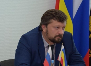 Председатель шахтинского комитета по градостроительству Роман Гусев снял с себя полномочия