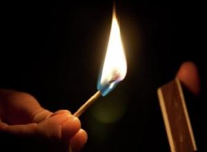 Обидчивый 23-летний шахтинец ограбил и сжег дом соседа