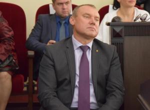 Слабый кадровый состав и мягкость характера Игоря Медведева назвали основными проблемами шахтинской администрации