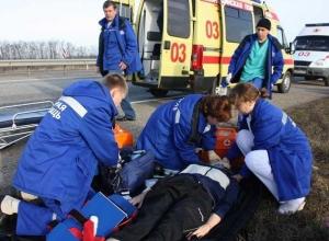 Двое погибли и пять человек пострадали в столкновении ВАЗа с иномаркой под Шахтами
