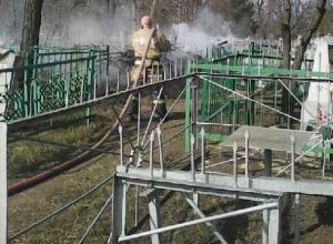 Кучи мусора и пожары – шахтинцы рассказали о состоянии городских кладбищ