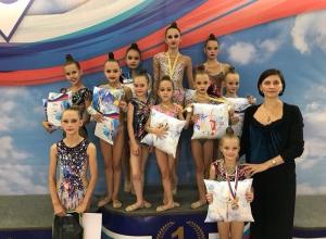 Девять медалей открытого турнира по художественной гимнастике завоевали шахтинки