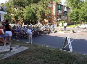 Спортсмены из шести городов России приняли участие в открытом первенстве Шахт по велосипедному спорту