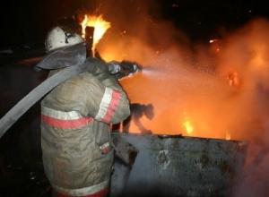 Ночью в центре Шахт горел жилой дом