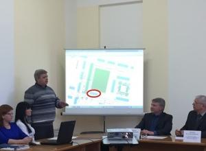 У шахтинцев хотят отобрать часть футбольного поля для строительства магазина