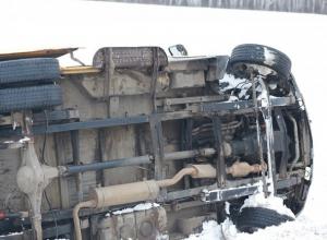 По пути в Ростов перевернулась шахтинская маршрутка с пассажирами