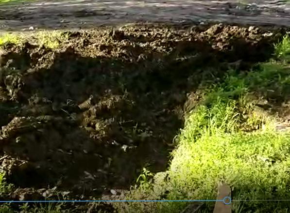 «Нас заливает талыми водами и порывами в водоводе», - бьют тревогу жители дома в поселке Петровка