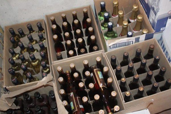 Неменее 850 литров спиртного конфисковали вАнапе