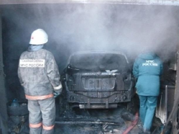 Днем под Шахтами в Каменоломнях сгорел гараж