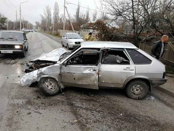 Опасный манёвр: ДТП в Шахтах